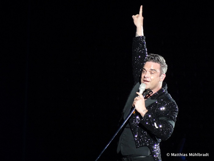 Robbie Williams beelőzte Elvis Presley-t